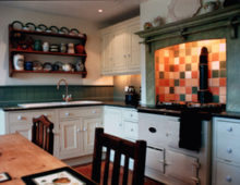 Painted kitchen colour scheme and small tiled area